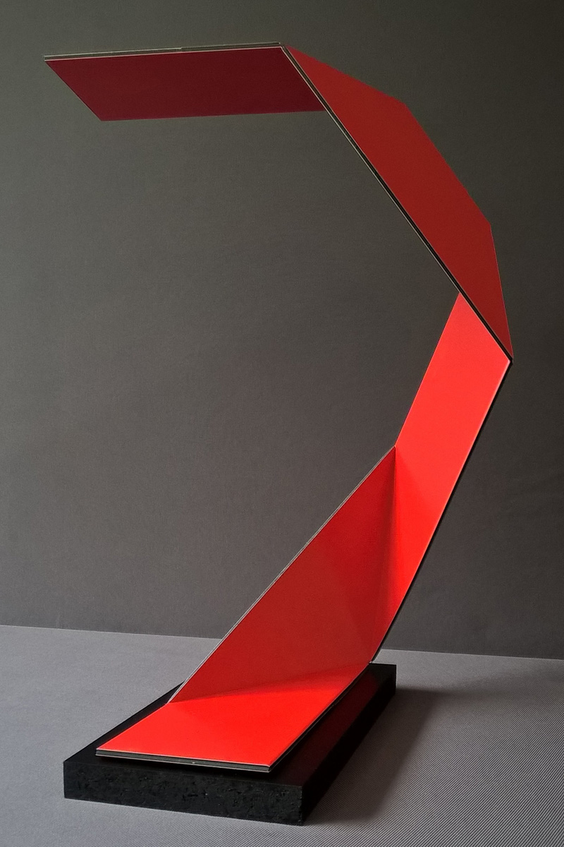Dibond Scrap Material Upcycled Into Origami Inspired Lamps By German